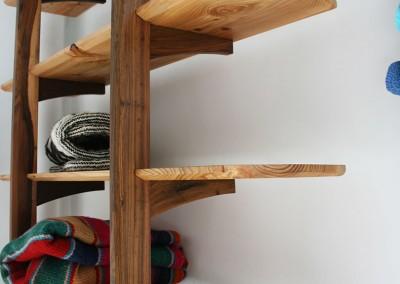 Zancos Leaning Shelves