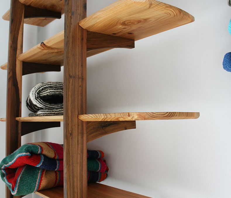 Zancos Leaning Shelves