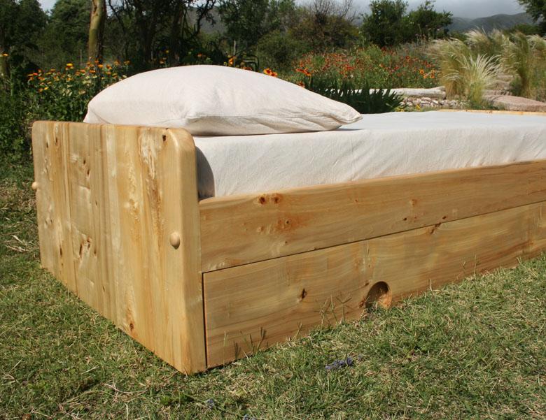 Slabside Bed